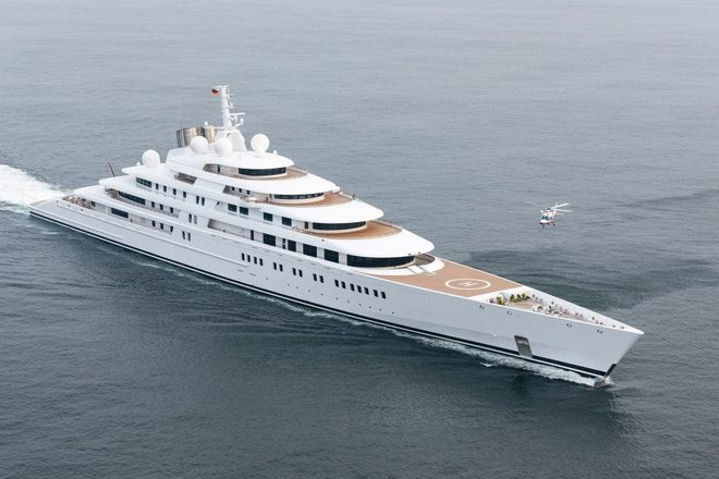 Super Yacht  Top 5 Largest Yacht in World Azzam 1