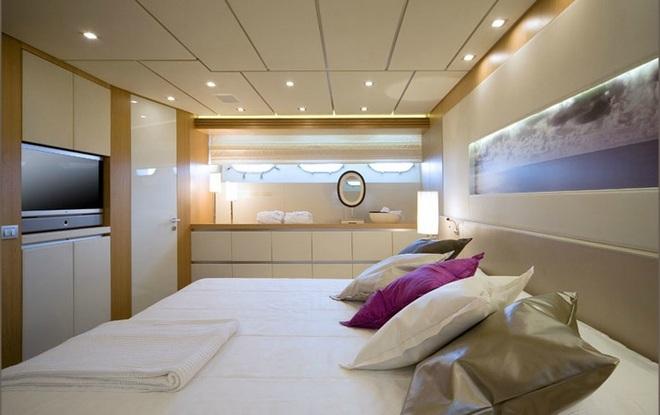 Maioria Bedroom  Interior Yachts designers Sá Arannha & Vasconcelos Maioria Bedroom