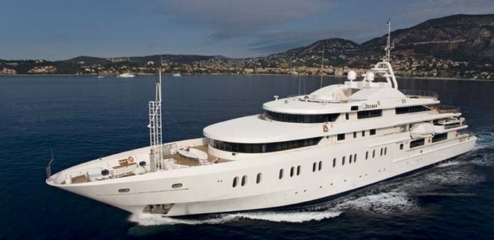 Interview with Lally Poulias, the mega yachts designer 6DELMA 5482BisLow937625247