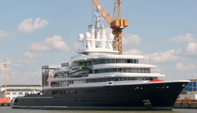 Luna, a luxury 115 meter Motor yacht   Luna, a luxury 115 meter Motor yacht  Luna 115 meter Motor yacht 1
