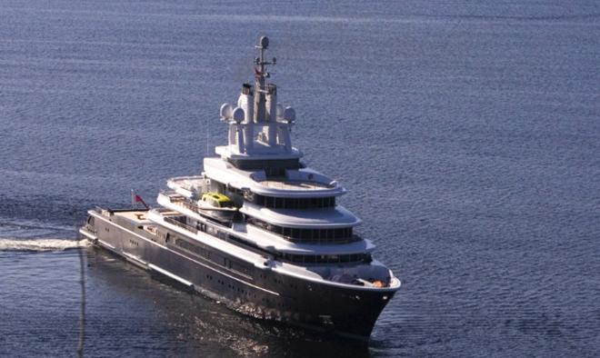 Luna, a luxury 115 meter Motor yacht 5  Luna, a luxury 115 meter Motor yacht  Luna 115 meter Motor yacht 3