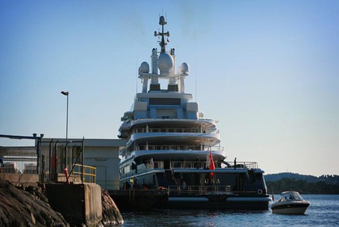 Luna, a luxury 115 meter Motor yacht 3  Luna, a luxury 115 meter Motor yacht  Luna 115 meter Motor yacht 4