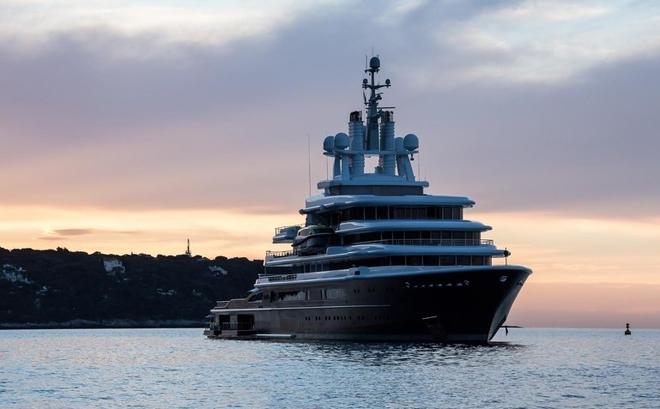 Luna, a luxury 115 meter Motor yacht 6  Luna, a luxury 115 meter Motor yacht  Luna 115 meter Motor yacht 7
