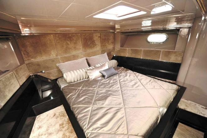 Motor Yacht Gush 3