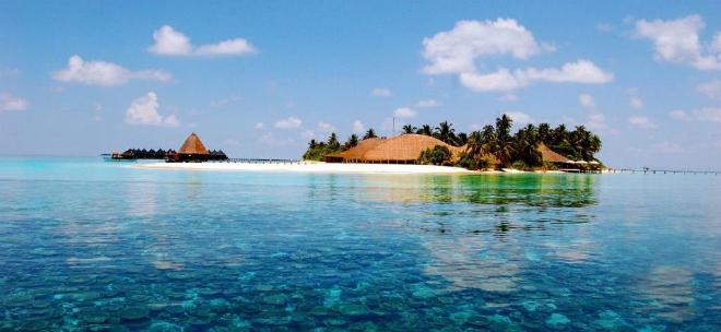 Maldives Luxury Guide  Luxury Yacht Destination Guide: The Indian Ocean Maldives Luxury Guide