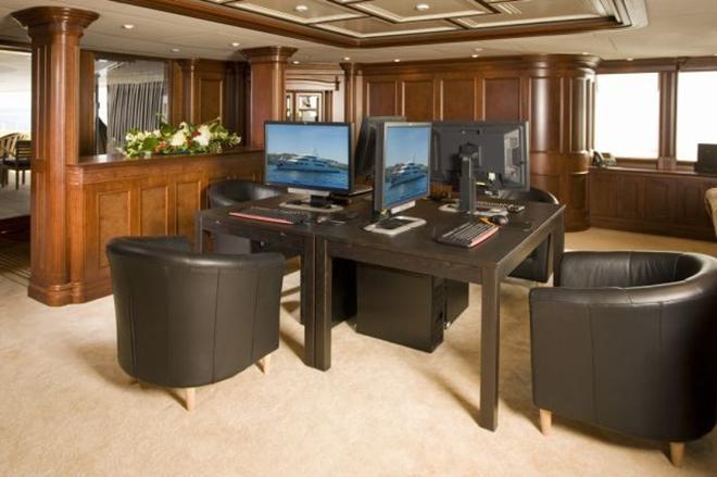 Best yacht Interior NOMAD 3  Best yacht Interior: NOMAD Best yacht Interior NOMAD 3