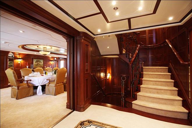 Best yacht Interior NOMAD 8  Best yacht Interior: NOMAD Best yacht Interior NOMAD 8