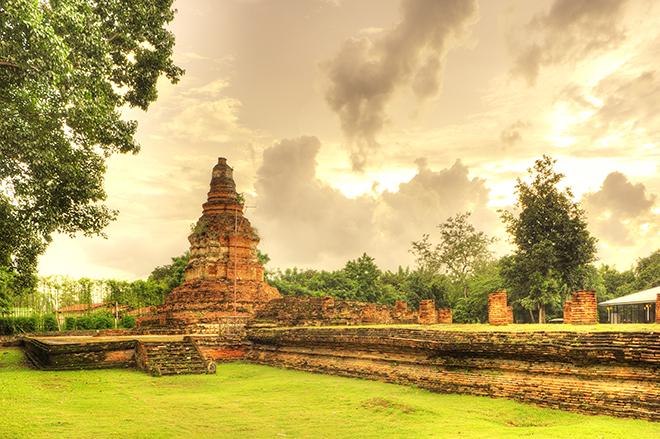 WAT E KANG VIEANG KUM KAM CHIANG MAI THAILAND  LUXURY YACHT VACATIONS: THAILAND LUXURY YACHT VACATIONS THAILAND 1