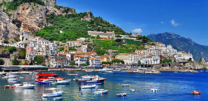 Luxury Yacht Vacation: Italy's Shore