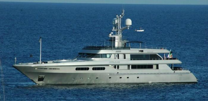 Best Celebrity Yachts: Dolce & Gabbana  Best Celebrity Yachts: Dolce & Gabbana Best Celebrity Yachts Dolce Gabbana 1