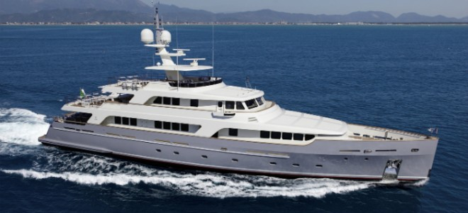 Luxury Yacht of the Week: Codecasa's Vintage Motor Yacht Luxury Yacht of the Week Codecasa Vintage Motor Yacht 660x300
