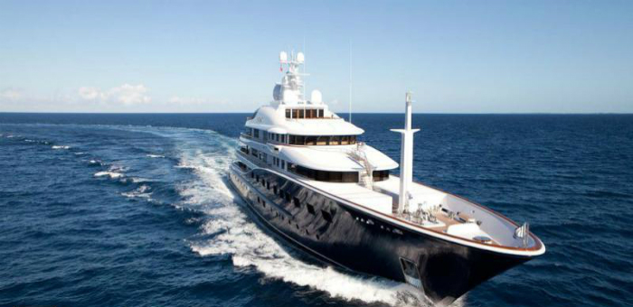 Luxury Yacht of the Week – Aquila