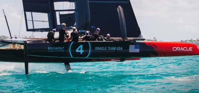In its return to England the America's Cup receives a royal welcome 3