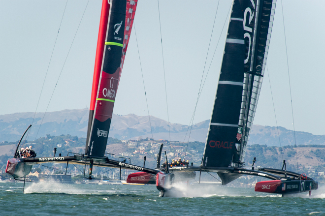 In its return to England the America's Cup receives a royal welcome 5
