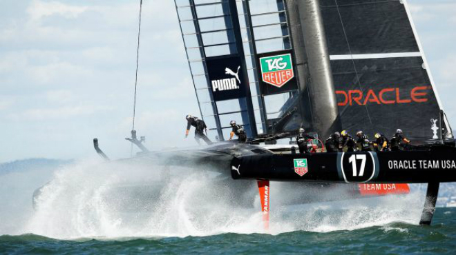 In its return to England the America's Cup receives a royal welcome 6