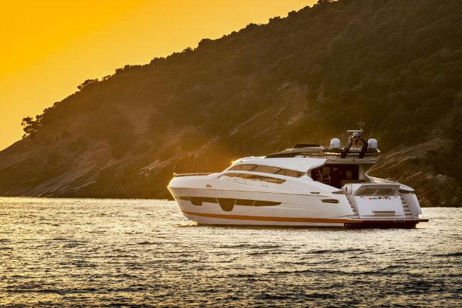 105_ht_11 numarine Luxury Yachts Interiors: Meet Numarine's 105 HT numarine 105 ht 11