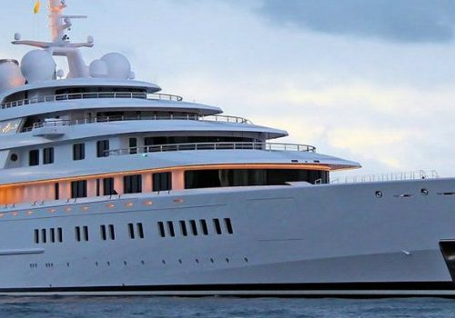 Be Amazed by the World's Largest Superyachts largest superyachts Be Amazed by the World's Largest Superyachts superyacht azzam  500x350
