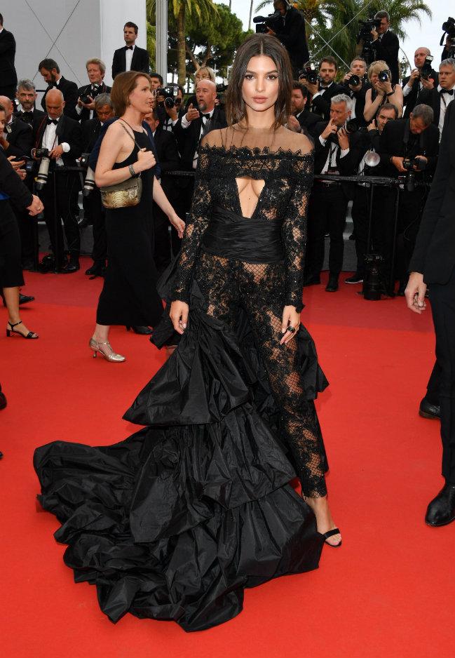 Cannes Film Festival 4 - Emily Ratajkowski cannes film festival Spotting Celebrities on Luxury Yachts at the Cannes Film Festival Cannes Film Festival 4 Emily Ratajkowski