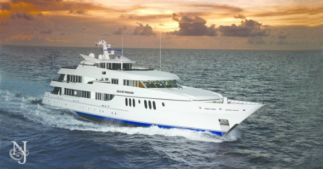 Newport Charter Yacht Show What to Expect from the Prestigious Newport Charter Yacht Show 2017 blue moon northrop and johnson