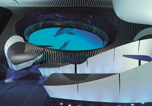 Admire the Beauty of the Sensorial Blue Eye Underwater Lounge