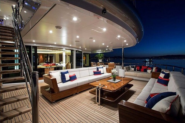 luxury living The Excellence V Superyacht Personifies Luxury Living by the Water The Excellence V Superyacht Personifies Luxury Living Like No Other 1