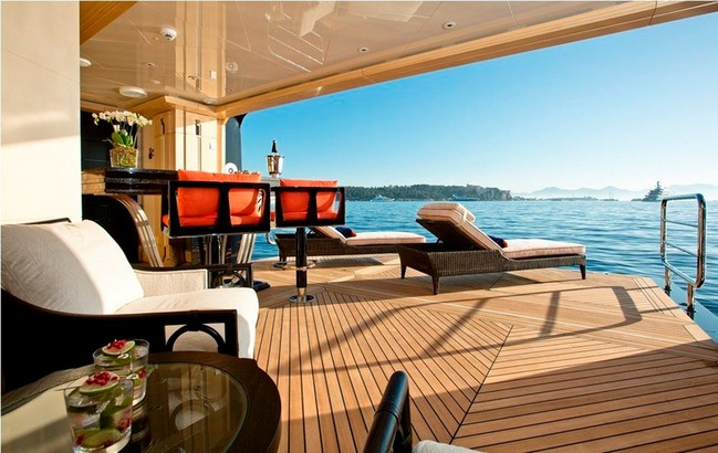 The Excellence V Superyacht Personifies Luxury Living by the Water 5 luxury living The Excellence V Superyacht Personifies Luxury Living by the Water The Excellence V Superyacht Personifies Luxury Living Like No Other 5