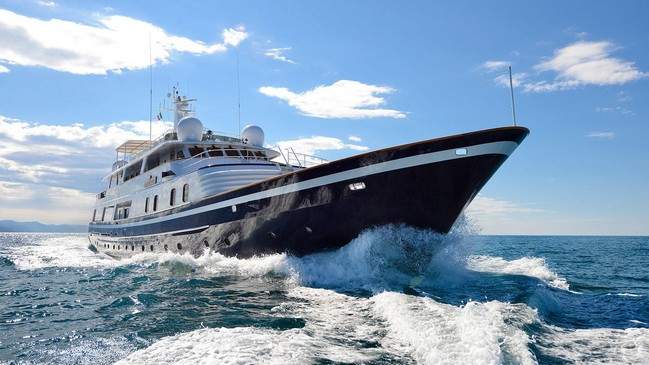 Discover Celebrities' Favorite Luxury Yachts to Charter 10 Luxury Yachts Discover Celebrities' Favorite Luxury Yachts to Charter Discover Celebrities    Favorite Luxury Yachts to Charter 10