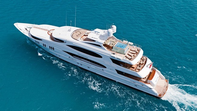 Discover Celebrities' Favorite Luxury Yachts to Charter 6 Luxury Yachts Discover Celebrities' Favorite Luxury Yachts to Charter Discover Celebrities    Favorite Luxury Yachts to Charter 6