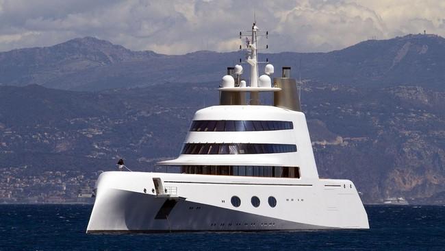 5 Unbelievably Visionary Luxury Yachts Designed by Philippe Starck 2 luxury yachts 5 Unbelievably Visionary Luxury Yachts Designed by Philippe Starck 5 Unbelievably Visionary Luxury Yachts Designed by Philippe Starck 2
