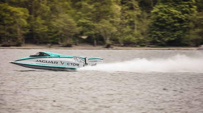 Jaguar V20E Classified as the Fastest Electric Motorboat in the World jaguar v20e Jaguar V20E Classified as the Fastest Electric Motorboat in the World Jaguar V20E Classified as the Fastest Electrict Motorboat in the World 3