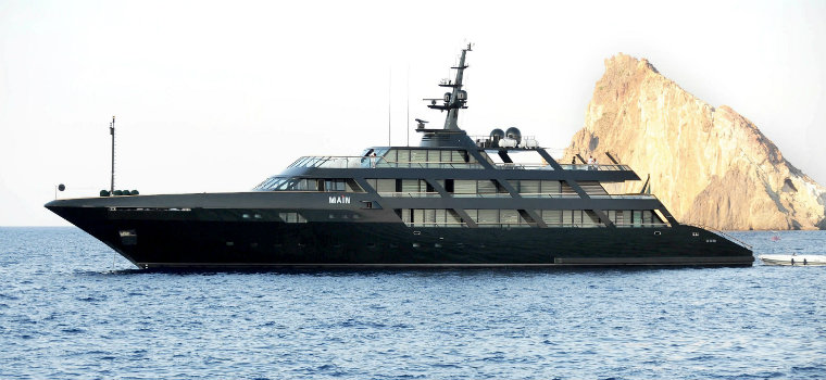 Top 5 Yachts currently owned by Celebrities celebrities Top 5 Yachts currently owned by Celebrities Armani2