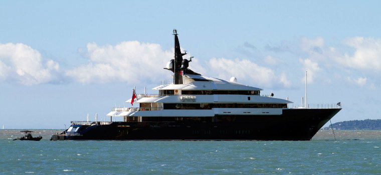 Top 5 Yachts currently owned by Celebrities celebrities Top 5 Yachts currently owned by Celebrities SevenSeas1