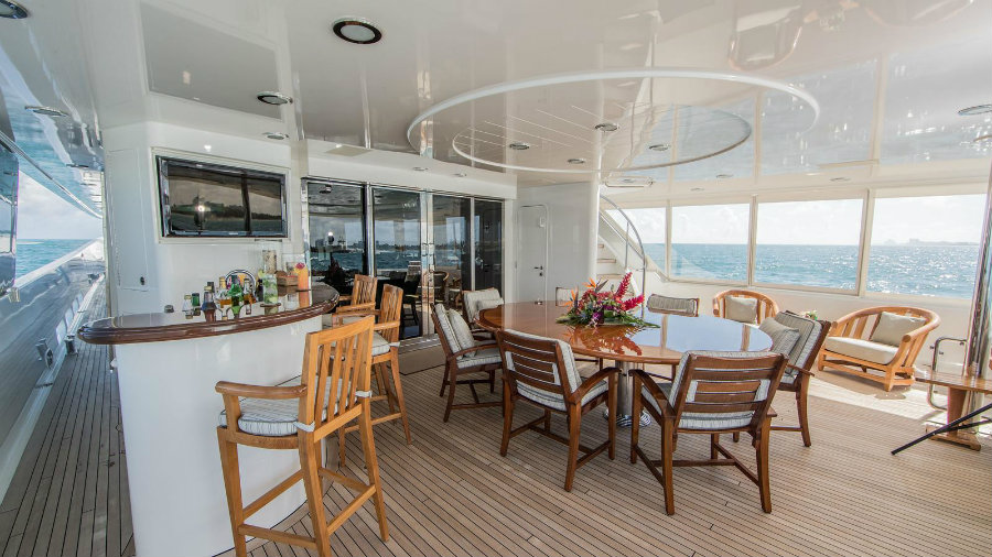 Amitié yacht is for sale: let's have a look inside Amitié yacht Amitié yacht is for sale: let's have a look inside 2