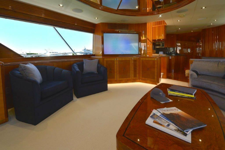 Currently for sale: have a look inside the Wild Child yacht Wild Child yacht Currently for sale: have a look inside the Wild Child yacht IMG2 9