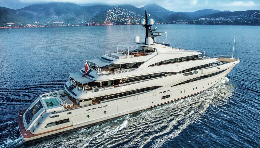 Cloud 9: meet CRN's second largest yacht cloud 9 Cloud 9: meet CRN's second largest yacht 1 2