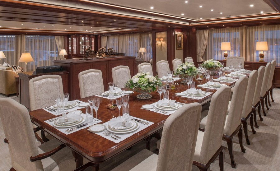 6 Amazing Dining tables used by Top interior Designers in yachts dining tables 6 Amazing Dining tables used by Top interior Designers in yachts AretibyWinchDesign