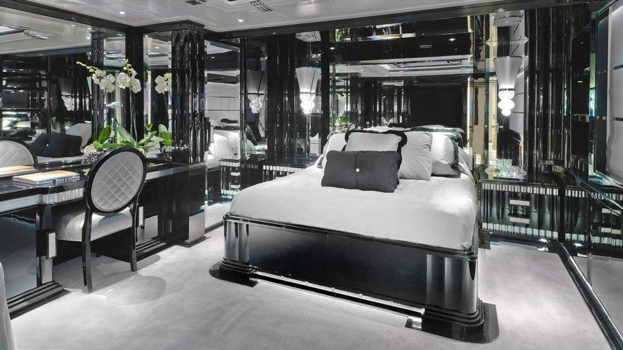 Inspire yourself with some black decoration in luxury yacht interiors luxury yacht interiors Inspire yourself with some black decoration in luxury yacht interiors Black1