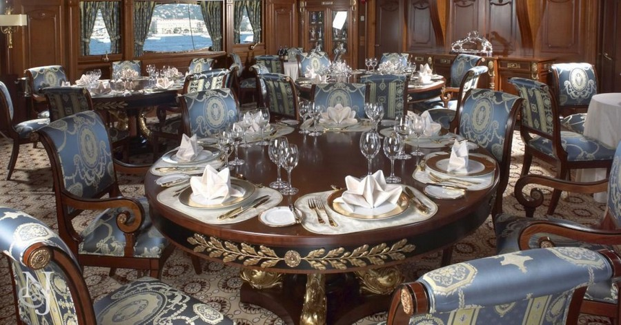 yacht interiors Have a look at 50 of the greatest yacht interiors – Part 3 Delhpine2