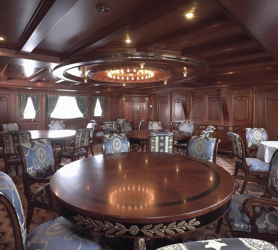 yacht interiors Have a look at 50 of the greatest yacht interiors – Part 3 Delhpine3