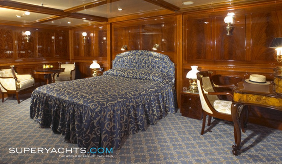 yacht interiors Have a look at 50 of the greatest yacht interiors – Part 3 Delhpine4