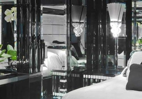 Inspire yourself with some black decoration in luxury yacht interiors luxury yacht interiors Inspire yourself with some black decoration in luxury yacht interiors FEATURE 16 500x349