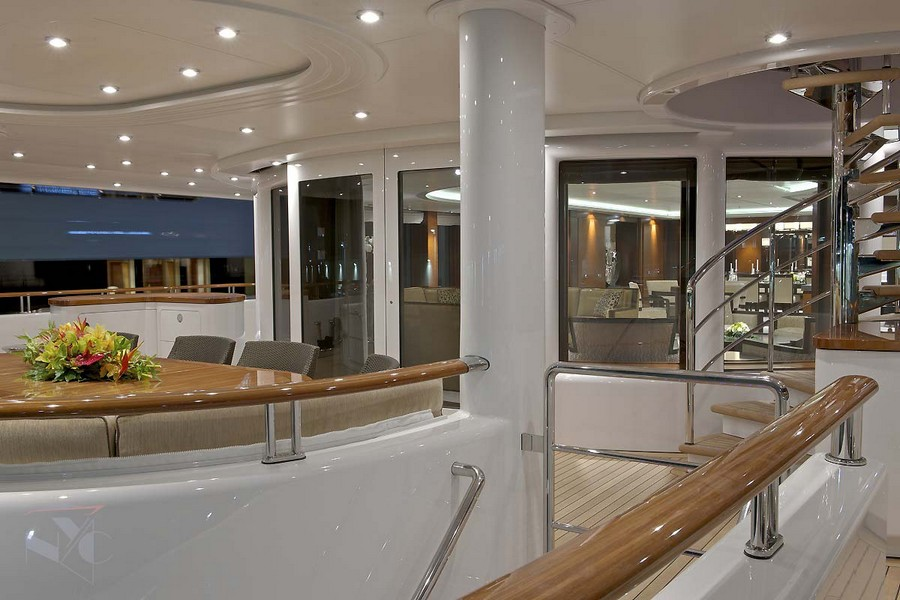 yacht interiors Have a look at 50 of the greatest yacht interiors – Part 2 Huntress3