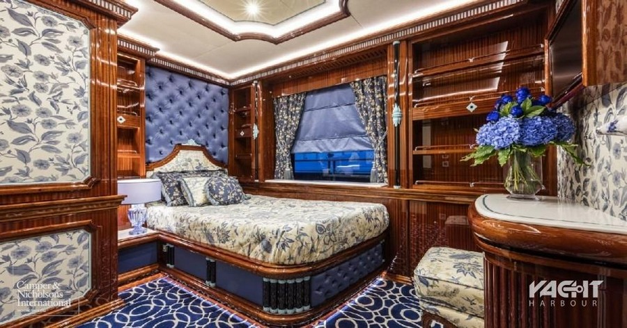 yacht interiors Have a look at 50 of the greatest yacht interiors – Part 2 Ipanema4