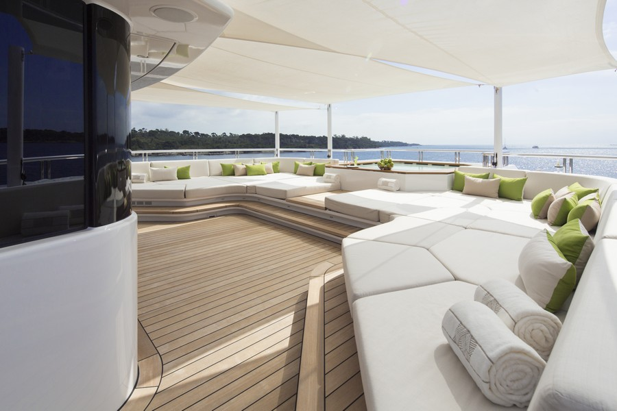 yacht interiors Have a look at 50 of the greatest yacht interiors – Part 3 Mogambo3