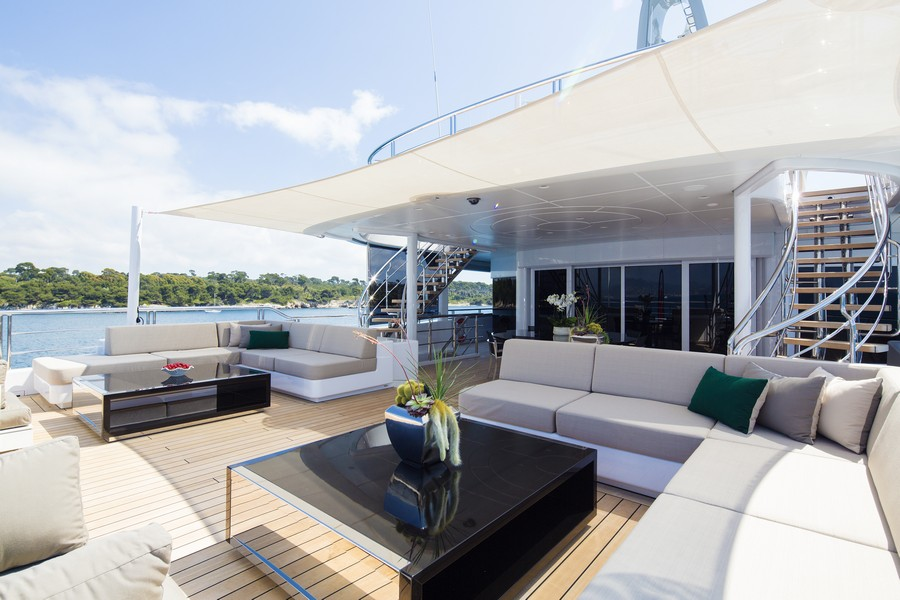 yacht interiors Have a look at 50 of the greatest yacht interiors – Part 3 Mogambo4