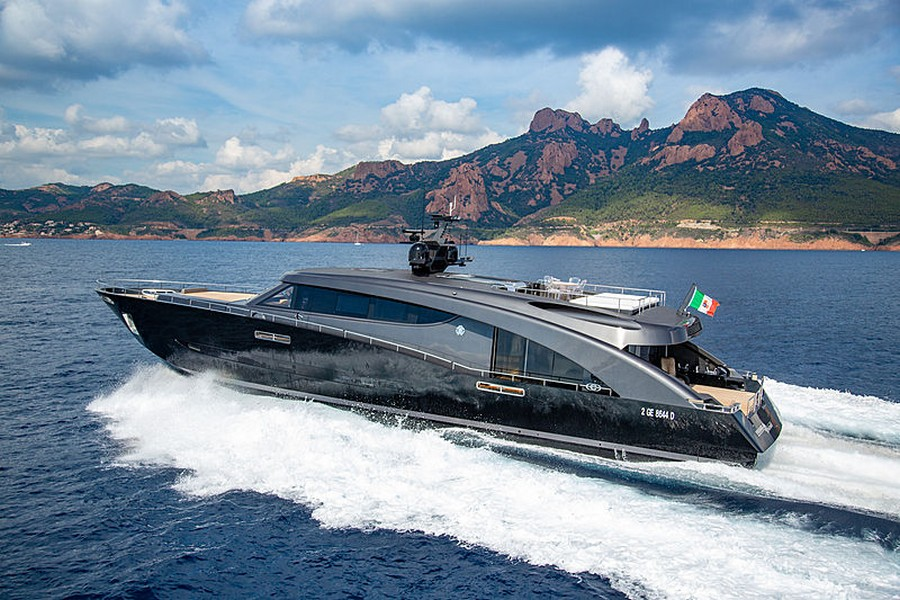Let's have a peek inside Roberto Cavalli's 28m yacht Freedom Roberto Cavalli Let's have a peek inside Roberto Cavalli's 28m yacht Freedom RobertoCavalli1