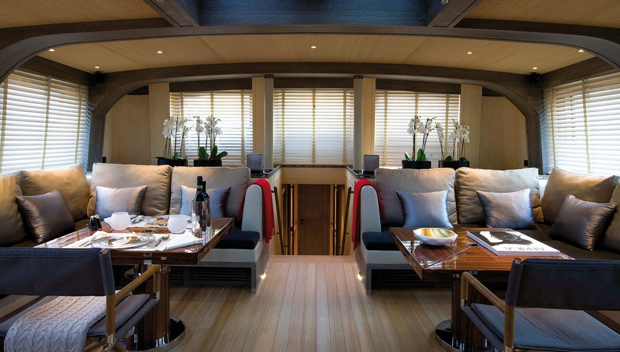 yacht interiors Top yacht designers: 5 luxury yacht interiors by Remi Tessier Roxane2