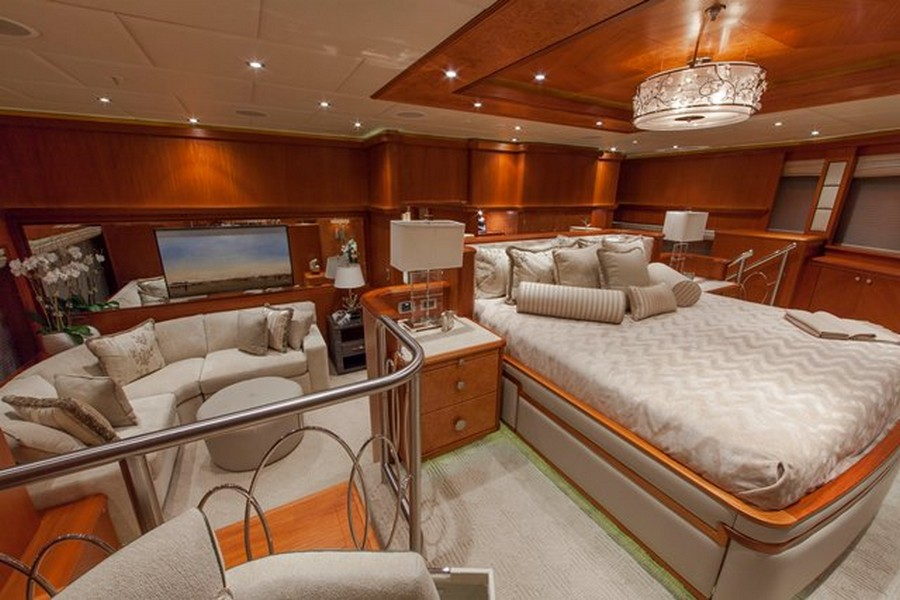 yacht interiors Have a look at 50 of the greatest yacht interiors – Part 2 Skyfall2