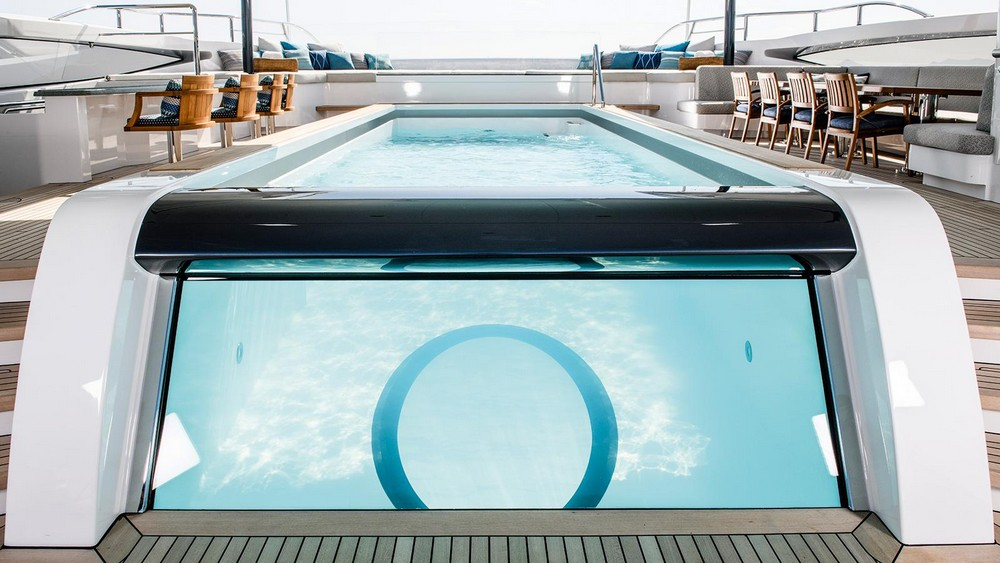 Have a look at our top 7 best superyacht pools superyacht pools Have a look at our top 7 best superyacht pools Yacht ELANDESS Pool