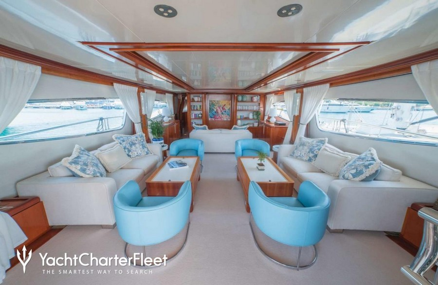 yacht interiors Top yacht designers: 5 luxury yacht interiors by Michela Reverberi Zambezi2